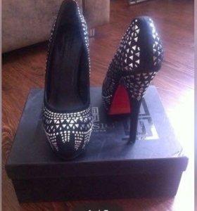Новые туфли натуральная замша