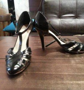 Туфли George лаковые, кожаные. 38 р