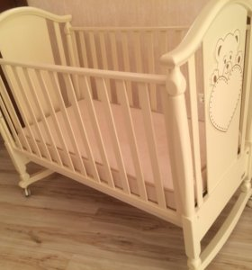 Детска кроватка