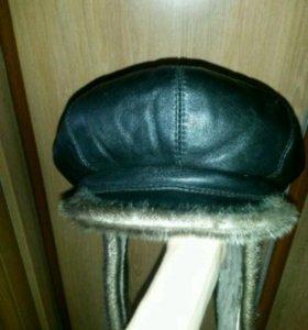 Кожаная зимняя шапка с натуральным мехом новая