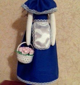 Кукла Тильда с корзиночкой цветов