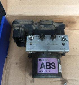 Блок ABS Hyundai i30 б/у