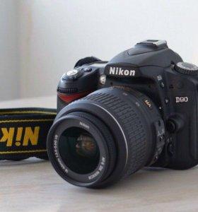 Продам Nikon D90 с объективом на 18-55mm