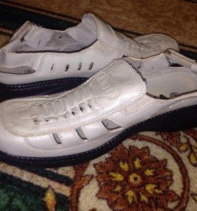 Туфли женские размер 40.