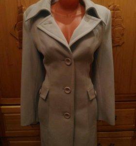 Продаю пальто,новое