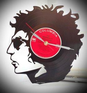"""Настенные часы """"Боб Дилан"""", сделанные из пластинки"""