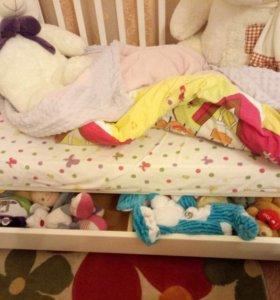 Детская кроватка + матрас + балдахин + бортики