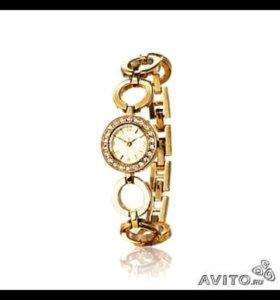 Роскошные часы с элегантным браслетом и циферблато