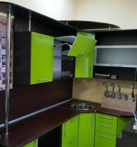 Кухонный гарнитур 2.4*1.5