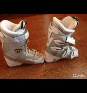 Продаю горнолыжные женские ботинки
