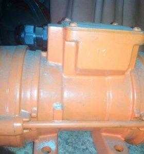 Вибратор ИВ-99Б У2