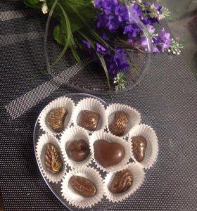 Шоколадный набор в коробочке в виде сердца