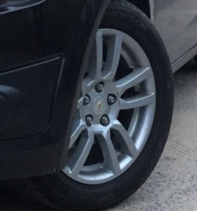 Летняя резина с литыми дисками Chevrolet