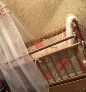 Детская кровать,(матрас, постель),
