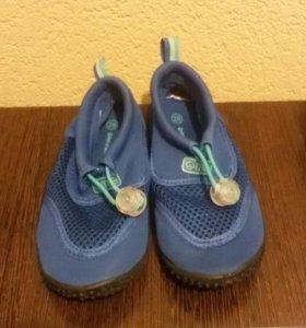 Обувь на мальчика и девочку