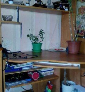 Продаю ком.стол или меняю на по меньше размером.