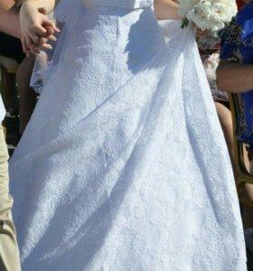 Свадебное платье и подьюпник на 2 кольца