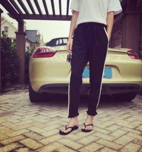 Черные брюки с лампасами Koton