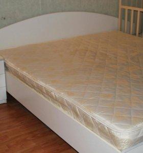 Кровать с матрасом 1.85 на 2 м