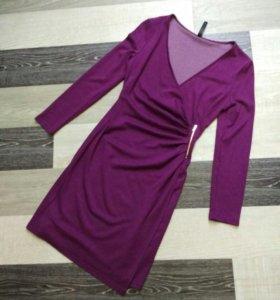 Платье по фигуре потрясающего сливового цвета