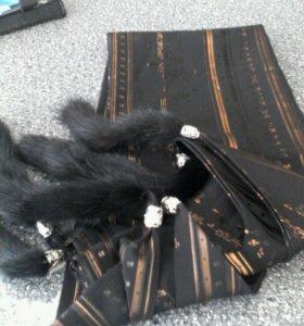 Шелковый палантин с норковыми хвостиками-кисточкам