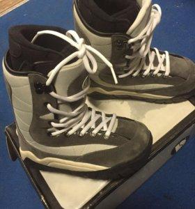 Ботинки для сноуборда новые !