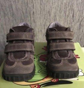 Демисезонные ботинки Ecco 23