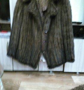 Женсквя куртка, связанная норка
