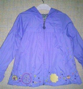 Курточка на 3-4 года с капюшоном