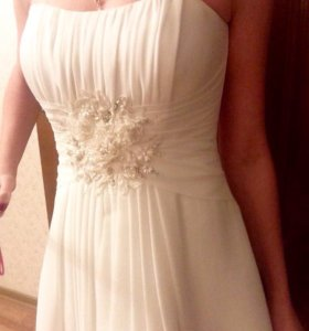 Платье( вечернее/свадебное/выпускной вечер)