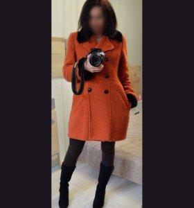 Яркое утеплённое пальто (46-48)