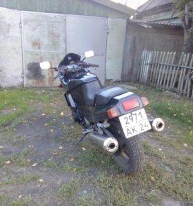 Кавасаки GPZ 400