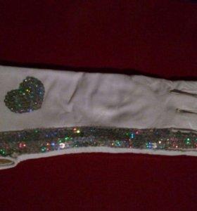Перчатки белая кожа