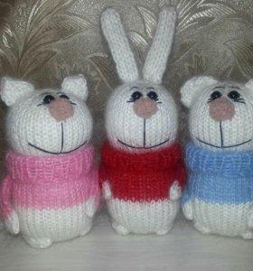 Зайка,киска и мишка в свитерах