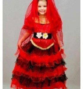 Новое,красивое,пышное платье.Размер 124-134.