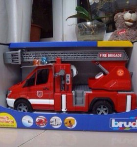 Bruder пожарная машина