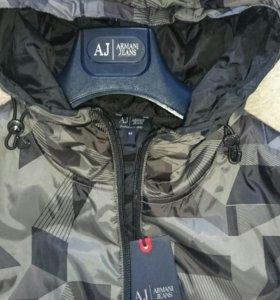 Фирменная новая куртка Armani Jeans