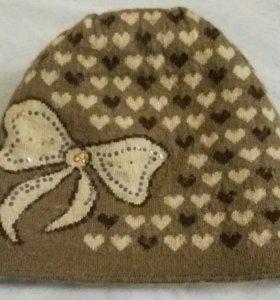 Продается хорошая женская шапка