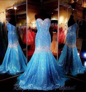 Голубое платье рыбкой