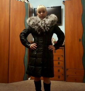 Коженное,зимнее пальто с натуральным мехом!