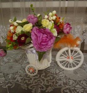 Велосипед с цветами.