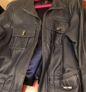 Кожаный костюм 50-54, сапожки в подарок 39-40