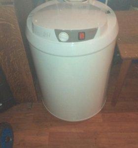Водо нагреватель на 80 лит накопительный