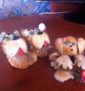 Сувениры - собачки из ракушек