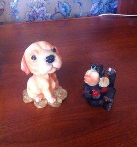 Сувенирчики( обезьянка и собачка)