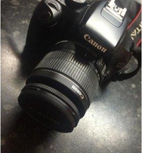 Фотоаппарат зеркальный Cannon