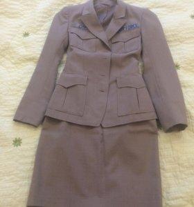 Дизайнерский костюм с юбкой