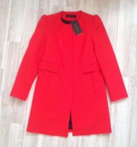 Пальто Zara новое