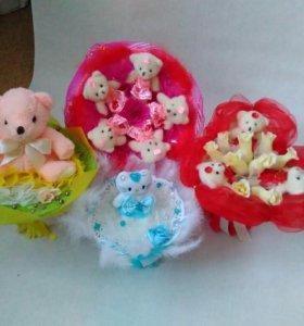 Букеты из игрушек, кукол, конфет