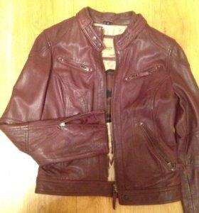 Кожаная куртка (новая) фирма Oakwood